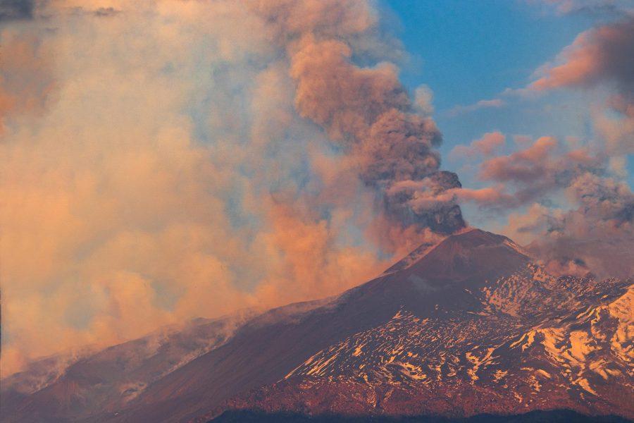 Ausbruch des Ätna am 01.04.2021 in Sizilien